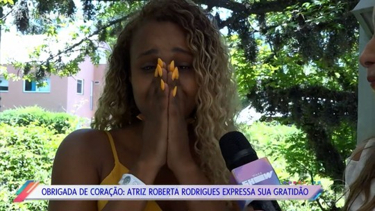 Roberta Rodrigues chora ao escrever carta de gratidão para amiga da família