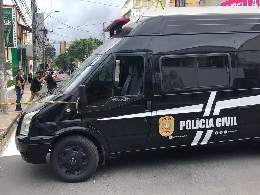 Ruas do Centro de Criciúma foram fechadas para o trabalho de perícia em Criciúma — Foto: Janniter de Cordes/ NSC