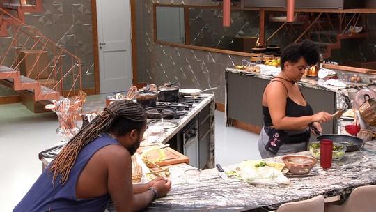 Rízia desabafa com Rodrigo: 'Tô doando toda a paciência que eu tenho para o Big Brother'