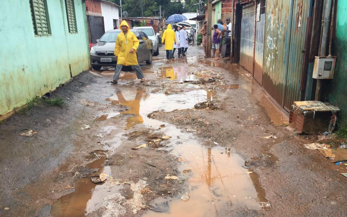 Chuvas deixam 4,7 mil casas do DF sob risco de desabar ou inundar, diz Defesa Civil