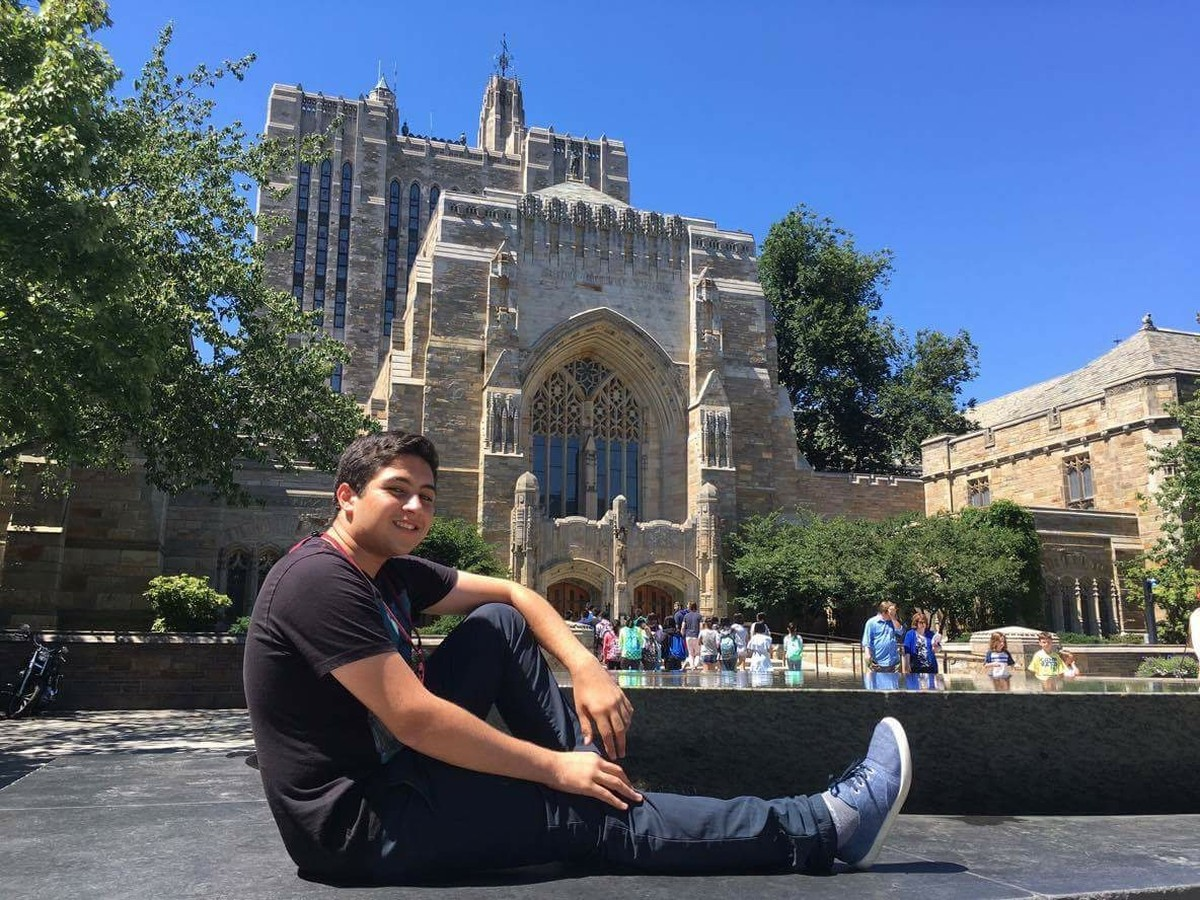Filho de diarista e de vendedor é aprovado na Universidade Yale