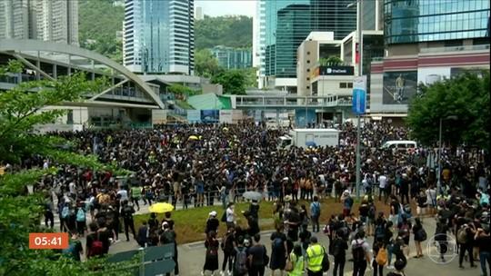 Milhares de pessoas protestam contra lei de extradição em Hong Kong
