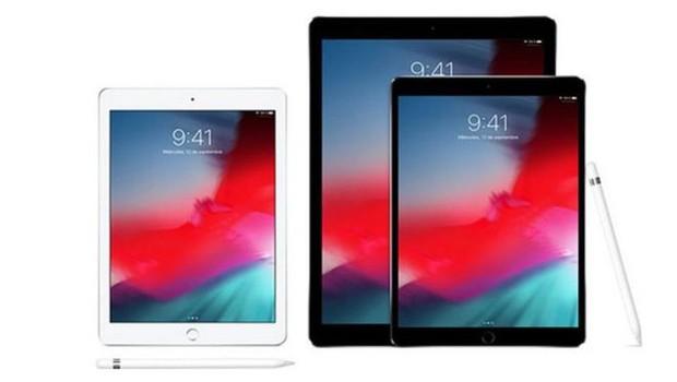 iPads, iPhones e Macs aparecem com o mesmo horário nas telas em todas as imagens publicitárias (Foto: Site da Apple)