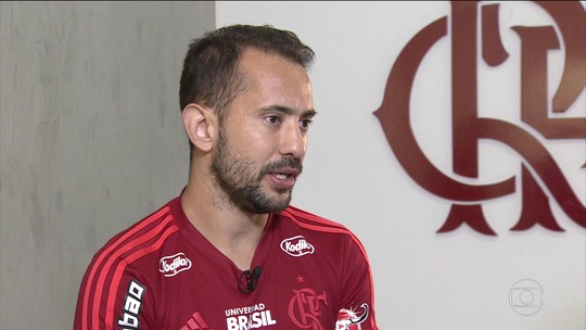 """Everton Ribeiro se apega aos 2% no Brasileirão e pretende seguir no Flamengo """"para trazer títulos"""""""