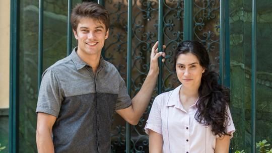 Raphael Sander e Olívia Torres comentam paixão entre Charles e Débora: 'Amor à primeira vista'