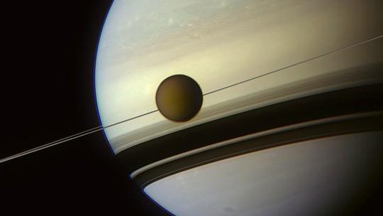 Foto: (NASA/JPL-Caltech/Space Science Institute/J. Major )