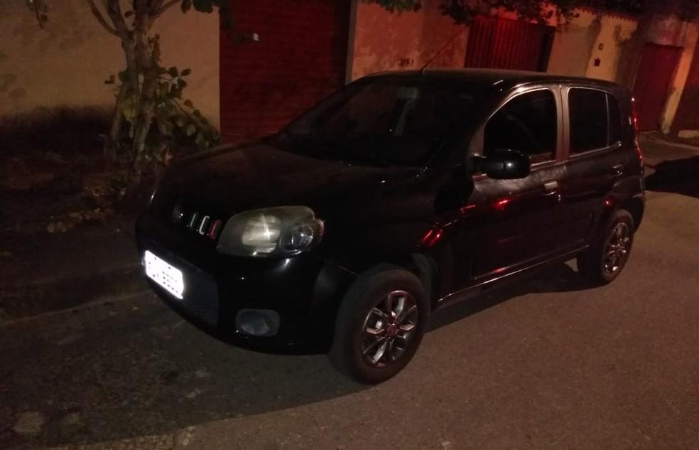 Homem é preso suspeito de usar arma falsa para roubar carro em Belo Horizonte — Foto: Reprodução/Redes Sociais