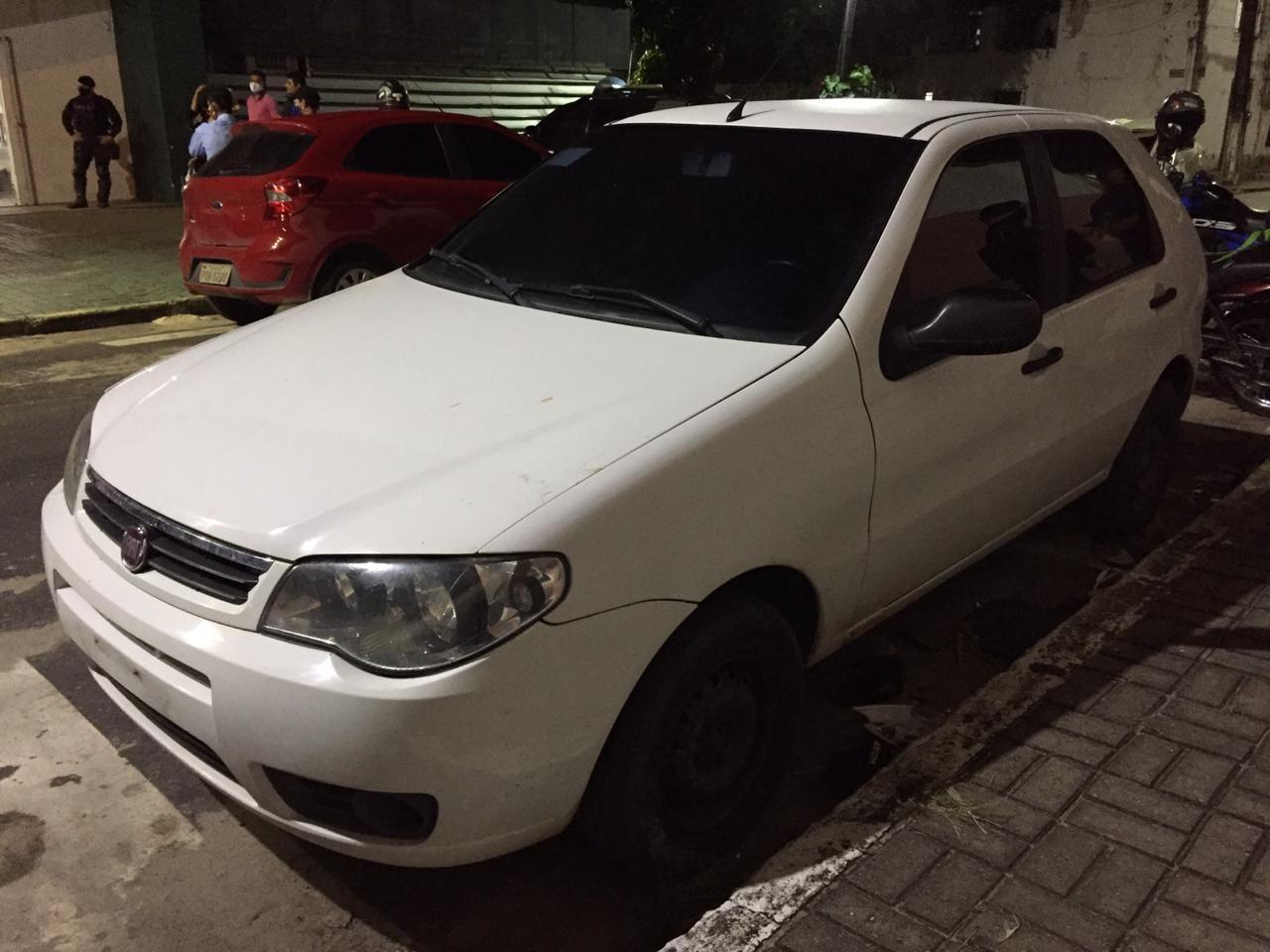 Motorista de aplicativo foge após ser feito refém em porta-malas, aciona a polícia e suspeitos são capturados na Grande Fortaleza