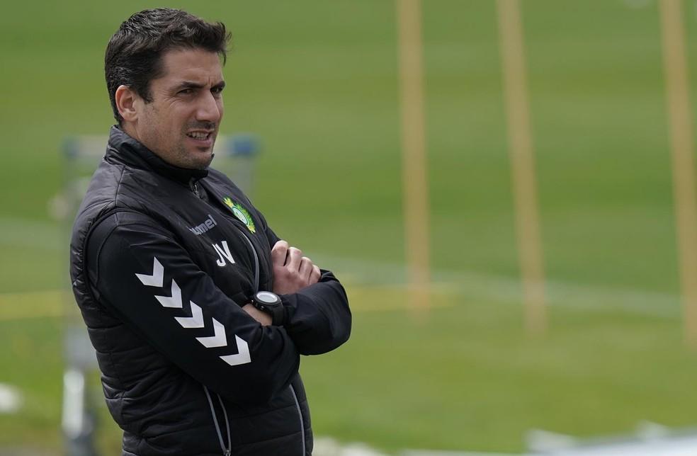 Julio Velázquez treinou o Vitória de Setúbal entre novembro de 2019 e junho de 2020 — Foto: Divulgação/Facebook Vitória de Setúbal