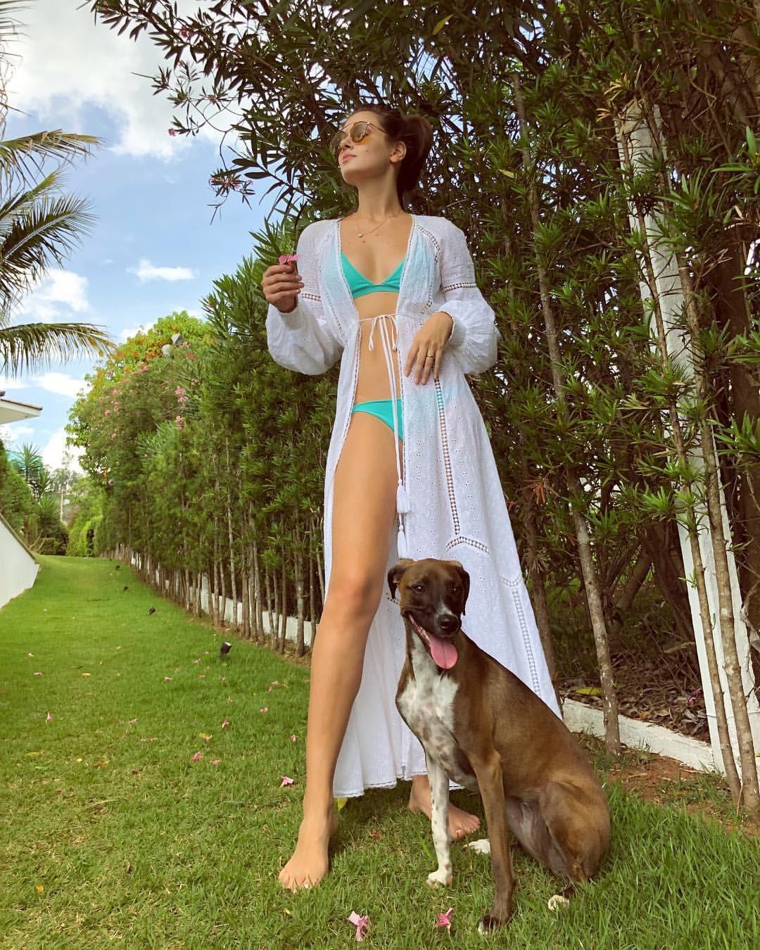 Camila Queiroz (Foto: Reprodução/Instagram)