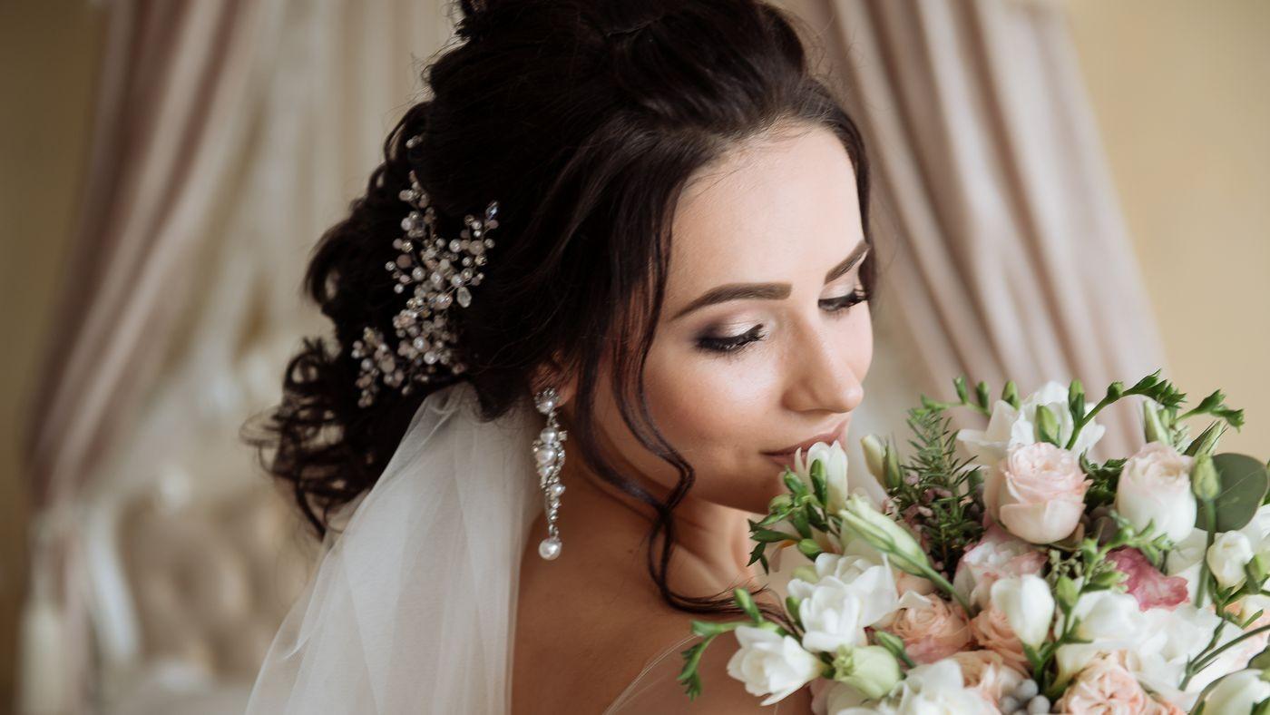 Mercado de casamentos exige profissionais de beleza especializados
