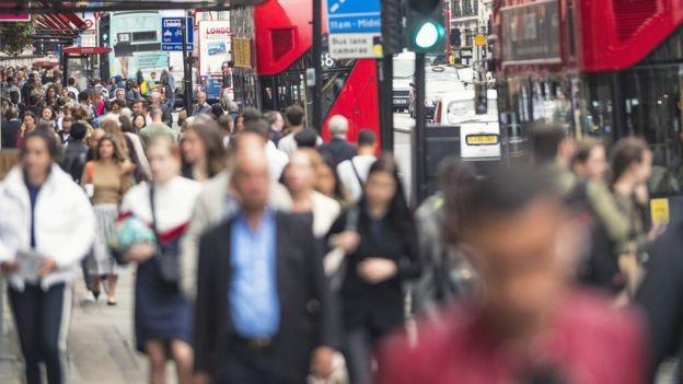 Estudo aponta que o foco de atuação no combate à gripe tem de ser diferente conforme o tamanho da cidade (Foto:  Getty Images via BBC News Brasil)