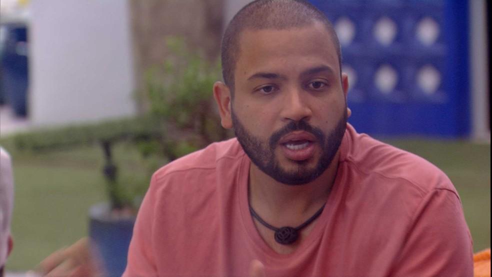 BBB21: Projotta opina sobre Gilberto — Foto: Globo