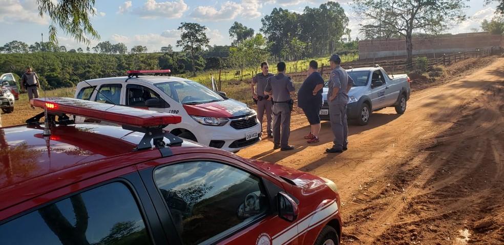 Bombeiros e polícia fazem buscas por mulher desaparecida em mata de Cosmorama  — Foto: Divulgação/Renan Contrera