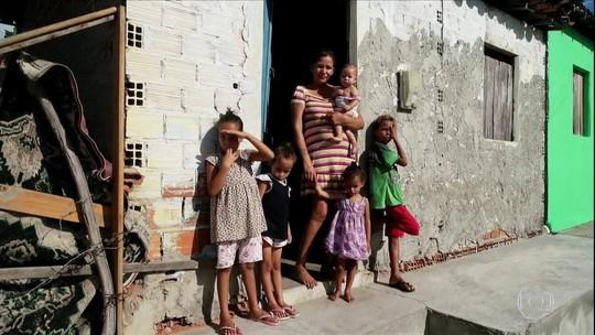 Mães de áreas rurais do Nordeste enfrentam dificuldades para cuidar dos 'filhos do zika vírus'