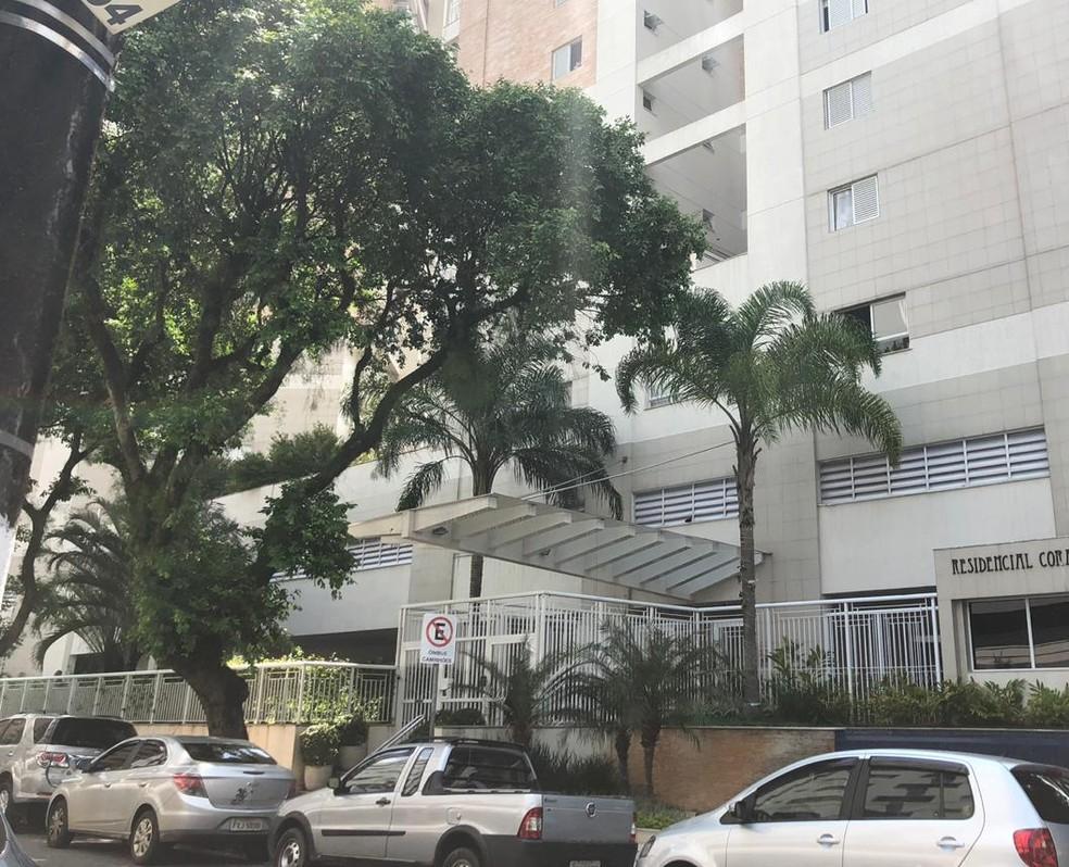 Fachada do prédio onde Gabriel mora em Santos; ele deve ir para o Rio de Janeiro na quarta-feira para assinar com o Flamengo — Foto: Gabriel dos Santos