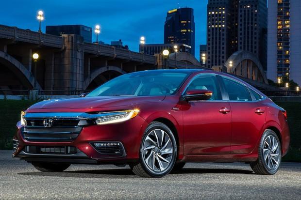 Honda Insight é feito com base na décima geração do Civic (Foto: Divulgação)
