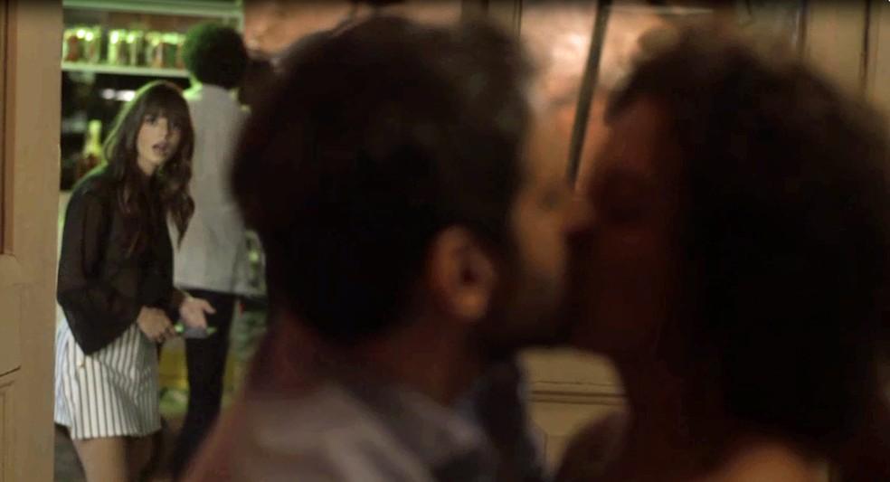 Rochelle dá o maior flagra em Edgar (Foto: TV Globo)