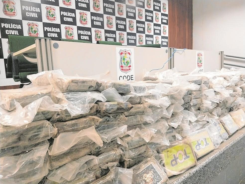 Resultado de imagem para Carga de 607 kg de cocaína ia sair do Porto do Pecém para Roterdã