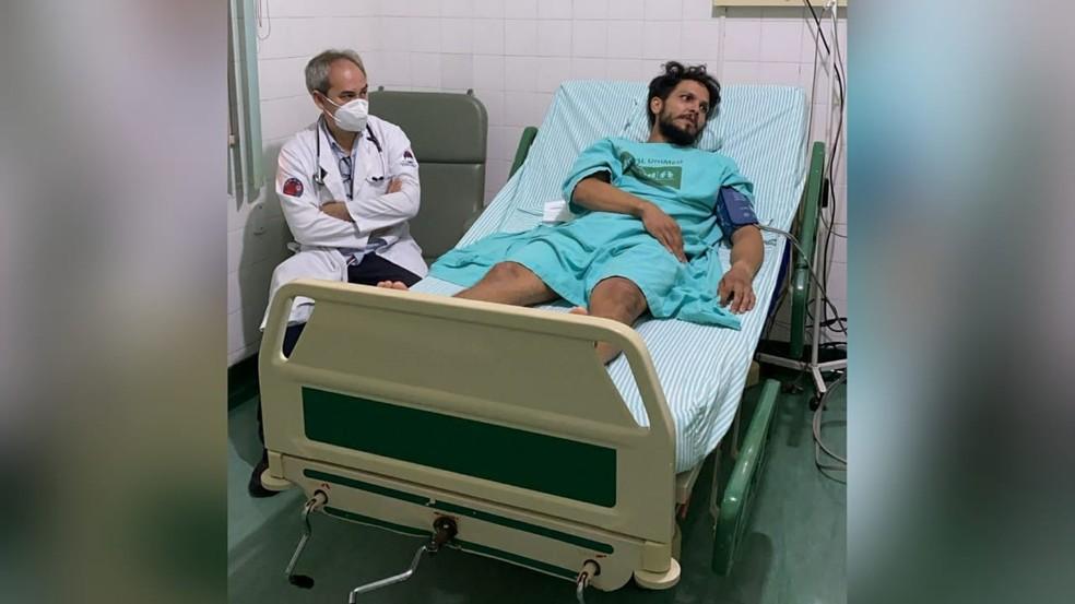 Antonio Sena ficou internado em um hospital de Santarém após resgate — Foto: Redes sociais