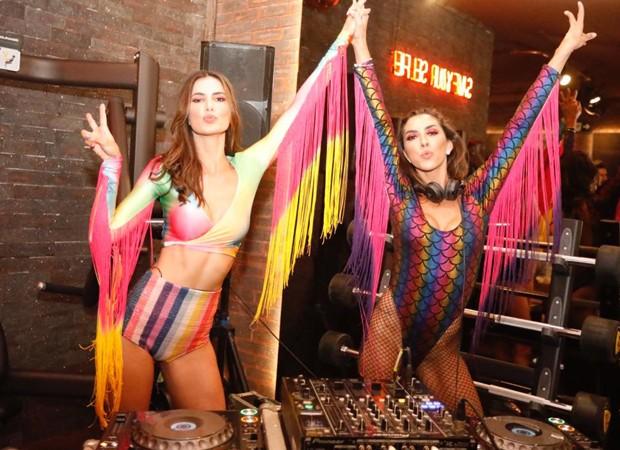As DJS Taty Betin e Barbara Brunca (Foto: Foto:  Divulgação)