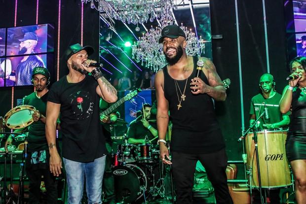 Belo e Rodrigo Féla (Foto: Thiago Martins/AgNews)