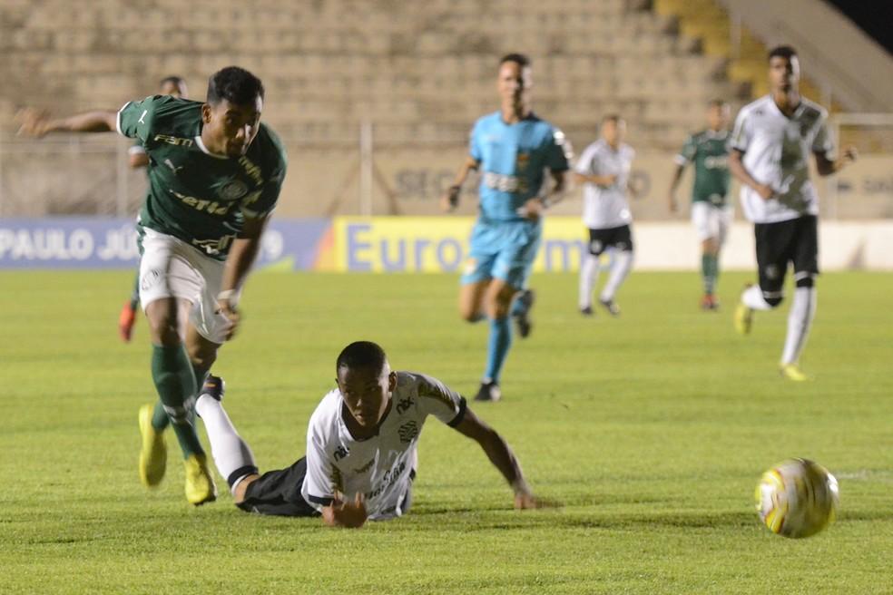 3ffa682959d7e ... Palmeiras e Figueirense duelaram na cidade de Capivari — Foto  Paulo  Ricardo Futura Press