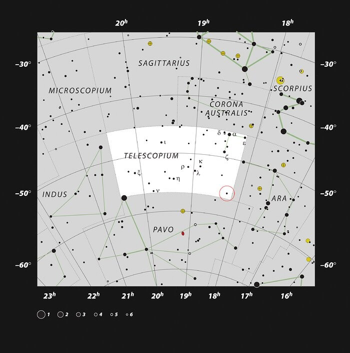 This chart shows the location of the HR 6819 triple system, which includes the closest black hole to Earth, in the constellation of Telescopium. This map shows most of the stars visible to the unaided eye under good conditions and the system itself is mar (Foto: ESO, IAU and Sky & Telescope)
