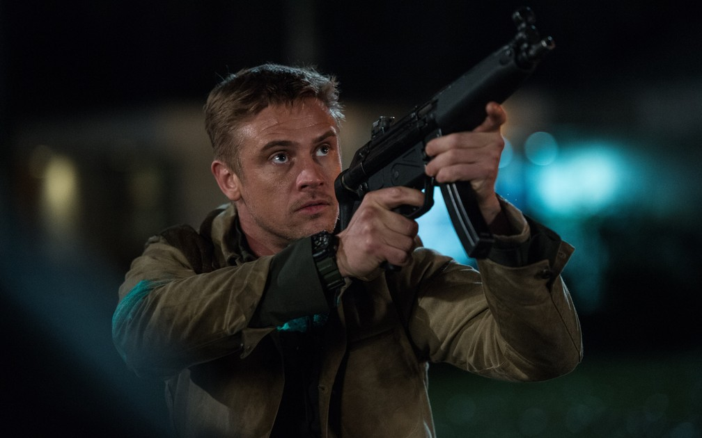Boyd Holbrook em uma cena de 'O Predador' — Foto: Divulgação