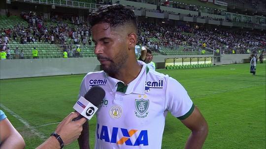 """Aderlan lamenta empate contra Atlético-MG: """"Resultado negativo. Fizemos por onde"""""""