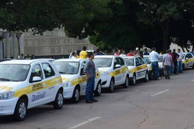 Hoje o preço do processo para emitir a 1ª CNH varia de R$ 1200 a R$ 2500 (Foto: Antonio Cruz/ Agência Brasil)