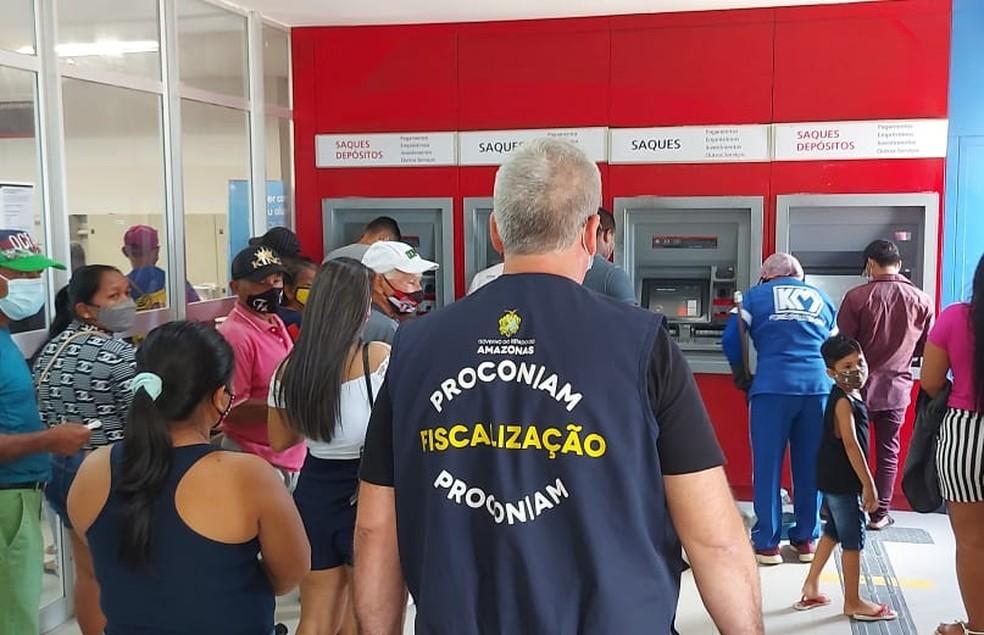 Duas agências bancárias foram autuadas em Tabatinga (AM) — Foto: Divulgação