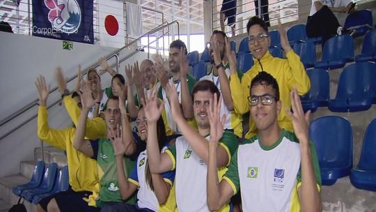 Guilherme Maia é a estrela da seleção brasileira no Mundial de Natação de Surdos