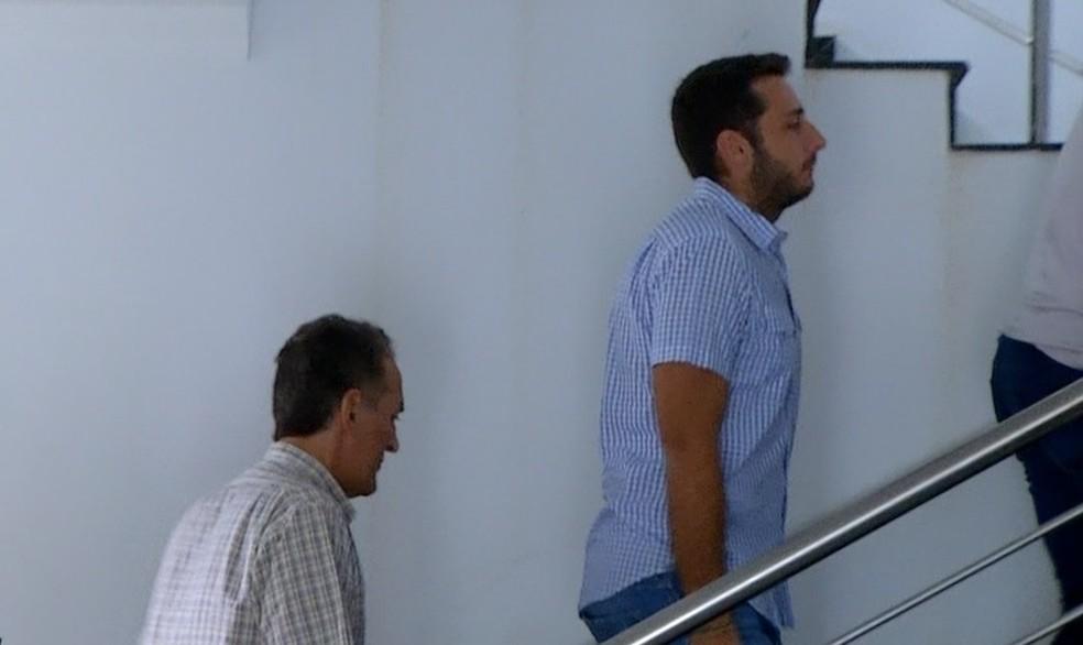 Pai e filho são investigados no escândalo do lixo hospitalar — Foto: Reprodução/TV Anhanguera