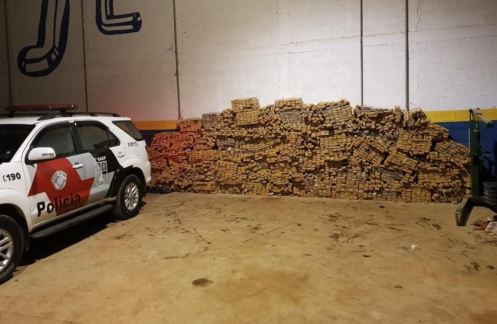 Drogas foram apreendidas pela polícia em Araçariguama — Foto: Polícia Militar/Divulgação