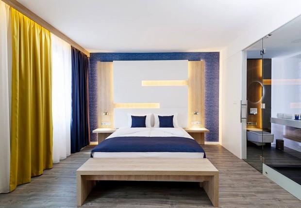 Quarto do KViHotel. É possível regular a temperatura sem sair da cama (Foto: Divulgação)