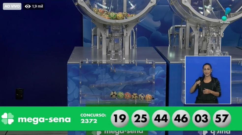 Dezenas sorteadas no concurso 2.372 da Mega Sena — Foto: Reprodução/Facebook/CEF