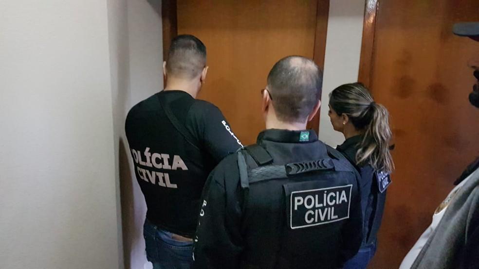 Policiais civis em operação no DF — Foto: Polícia Civil/Divulgação