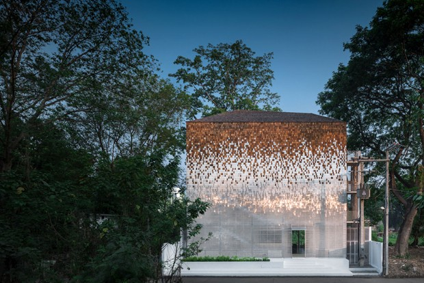 Arquitetos criam impressionante fachada translúcida na Tailândia (Foto: Divulgação)