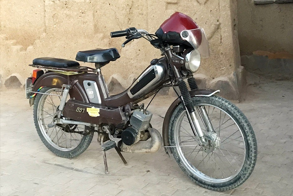 CA - 30/11/2018 - Velhos ciclomotores de origem francesa s (Foto: Jason Vogel/O Globo)