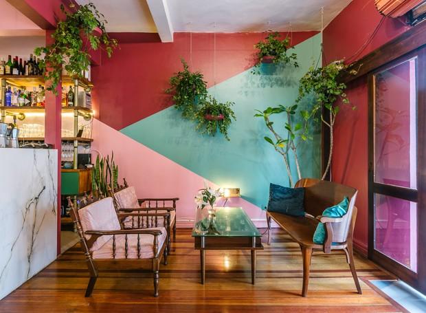No Botanique, o contraste de cores e plantas é proposto com o objetivo de acolher o público (Foto: Eduardo Macarios/Divulgação)
