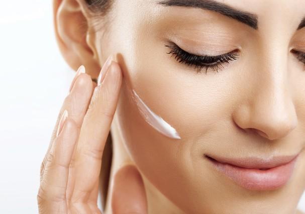 O importante é não abrir mão do skincare (Foto: Shutterstock)