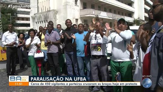 Terceirizados que prestam serviço para Ufba paralisam atividades por 24h em Salvador