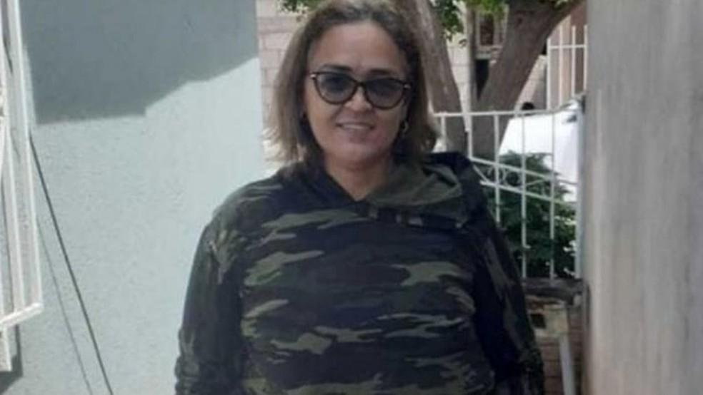 Lenilda com a roupa que usou para cruzar a fronteira dos EUA; seu corpo foi encontrado em 15 de setembro — Foto: Arquivo Pessoal