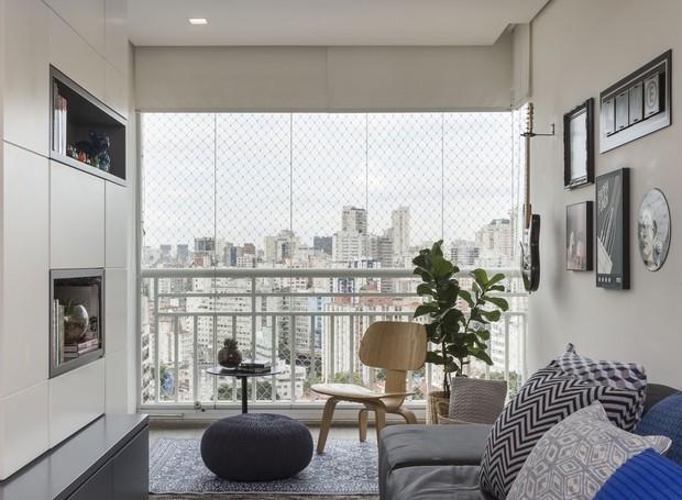Reforma cria projeto prático, descolado e bom para receber em 57 m²
