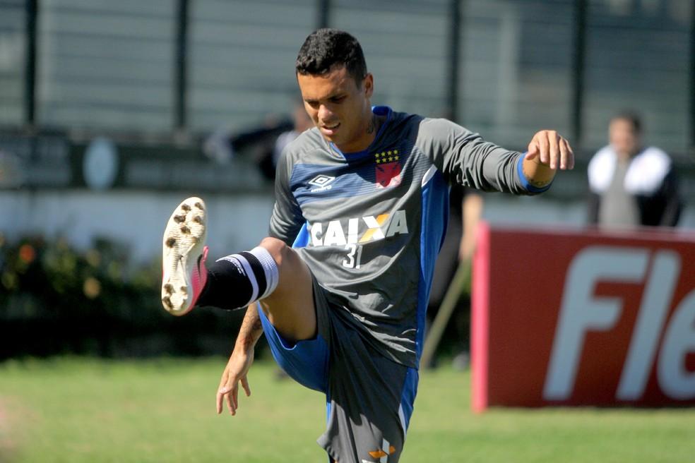 Ramon em seu retorno ao Vasco: titular nas últimas quatro partidas, com uma assistência (Foto: Paulo Fernandes / Vasco)