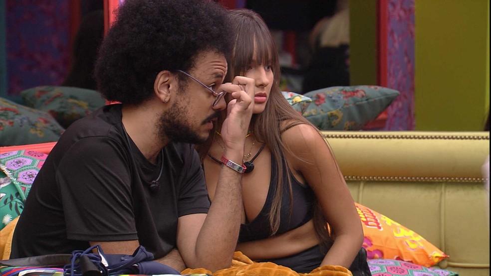 Thaís conversa com João Luiz sobre Fiuk no BBB21 — Foto: Globo