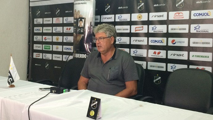 Geninho - técnico do ABC (Foto: Luiz Henrique/GloboEsporte.com)