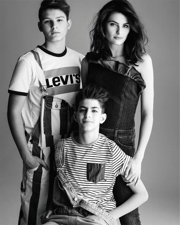 Isabeli Fontana e os filhos, Zion e Lucas (Foto: Gilles Bensimon)