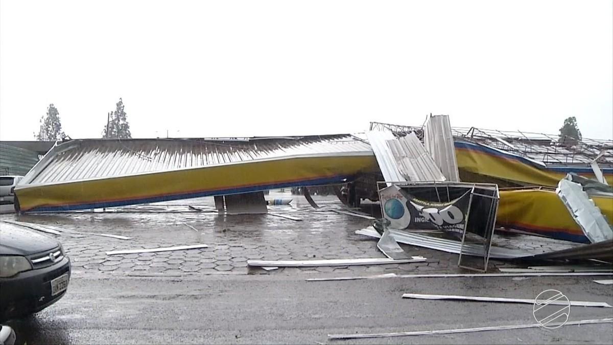 Temporal provoca estragos em Ponta Porã, MS